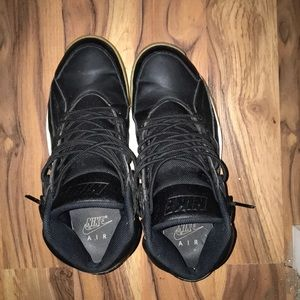 Black Nike Men's Hurraches
